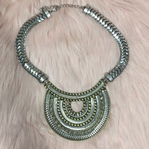 NWOT - H&M - Statement Necklace